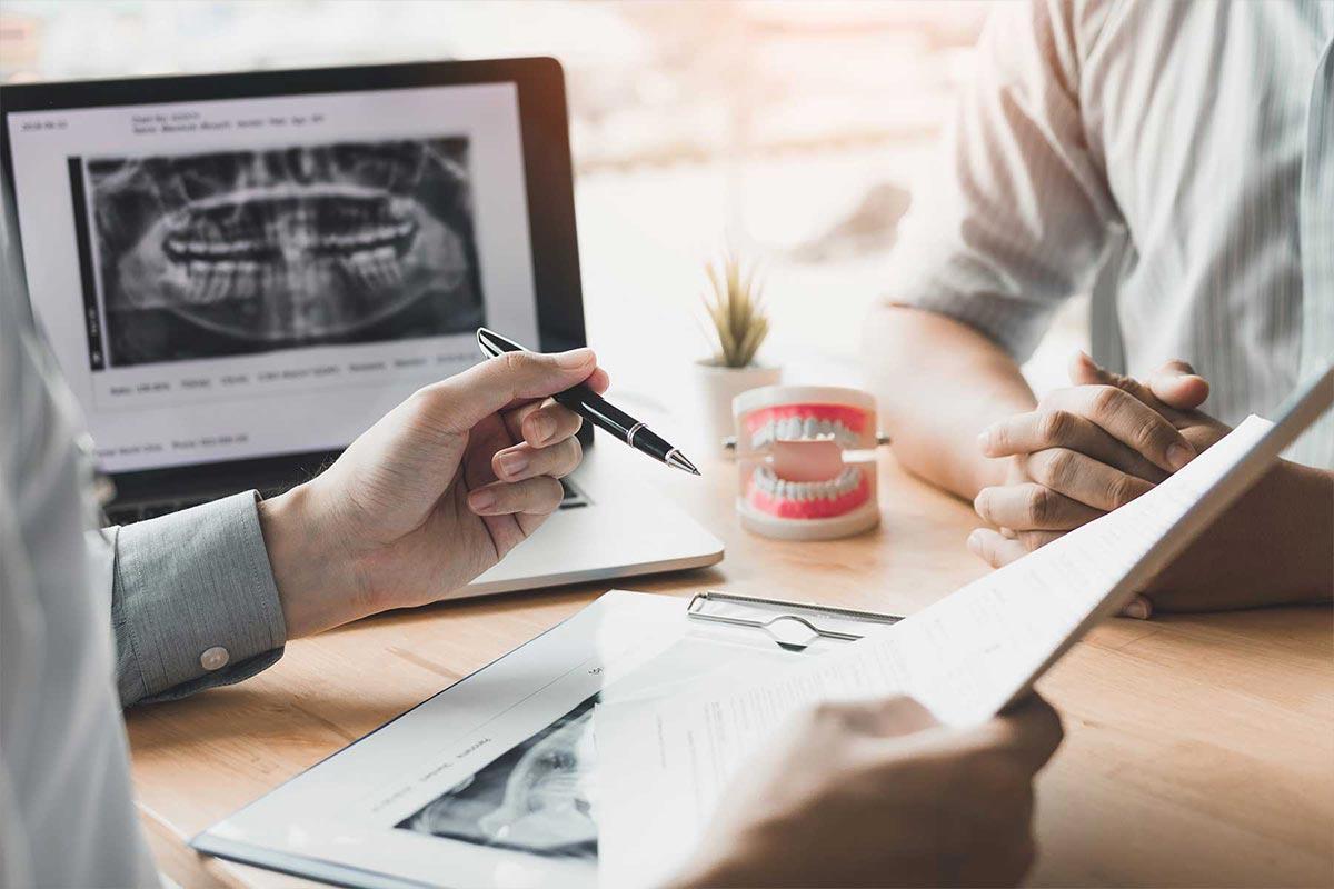 Protesen und Abnehmbarer Zahnersatz bei Dr. Shaila Majdalani